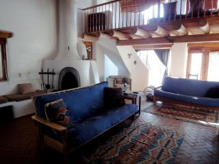 Rustic Adobe Retreat - Perfect for Winter & Summer, Taos