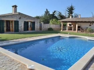 041 A cozy holiday home with beautiful garden, Pollença
