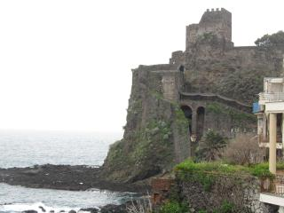 ComeinSicily - Fishermann House, Aci Castello