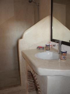 Salle de bain chambre Rez-de-chaussée