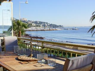 CANNES PALM BEACH SEAFRONT 2 BEDROOMS 118 SQM
