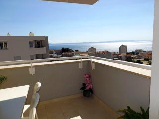 NEW MODERN APT. FOR 5  SEA VIEW! LAST MINUTE PRICE, Makarska