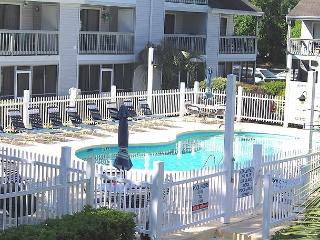 Golf Colony-Large and Comfortable 2 Bedroom Condo Near the Beach! 28J