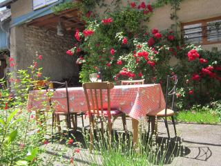 Cosy and Charming Gites/Apts in village location., Trebons