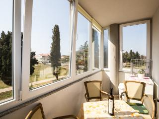 APARTMENT DODA - 200 M FROM THE BEACH