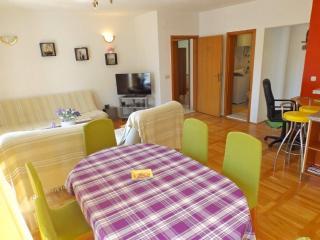 Spacious Apartment In Center Of Makarska !!