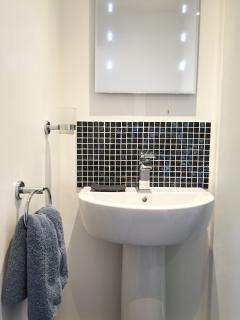 En Suite with basin, WC and shower. Luxurious Egyptian Cotton towels are provided.