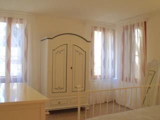 New, Central and elegant 4 beds apartment, Venecia