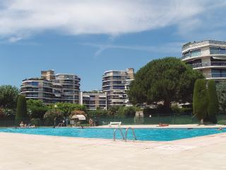 Lovely 2 Bedroom Apartment in La Napoule, Mandelieu-la-Napoule