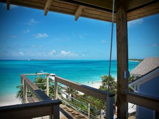 Bahamas Beachfront Private Villa on Beautiful Rose Island - as Seen on Hgtv!