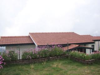 Luxury Double Bed room Cottage, Kodaikanal