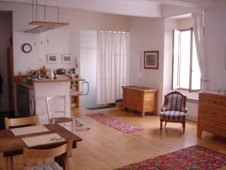 Quiet retreat in the heart of Nice, 5 min to beach
