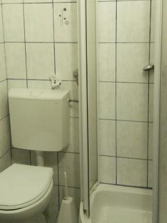 A1(2+1) Z: bathroom with toilet