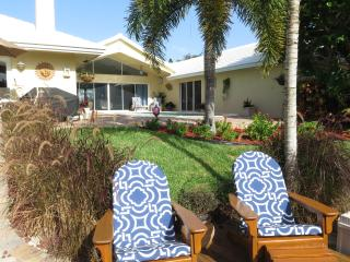 Luxury Waterfront Home, pool & 1 mile to beach