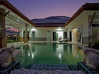 Bangsaray Villa, private pool villa, Chalong