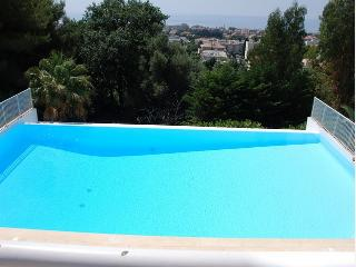 One Bedroom Apartment, 46 Metre Sq., Sleeps 4, Cagnes-sur-Mer