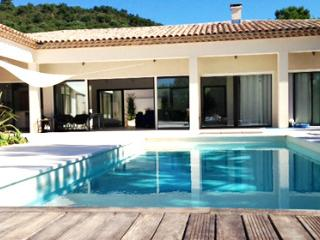 Vernay 36868 luxurious new built villa with annex for 8 people, 8 x 4 pool, Grimaud
