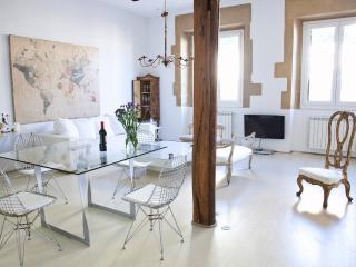 ★BEST LOCATION OLD TOWN-LUXURY LOFT. LIFT, San Sebastian - Donostia