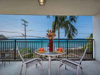 1 bedroom Ocean front condo, right down town w/ AC, great Ocean views