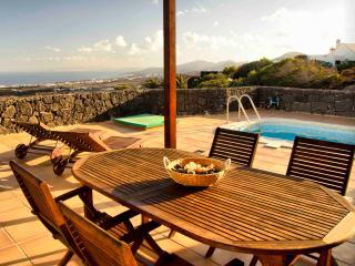 Casa Las Vistas, Sea Views and swimming pool, La Asomada