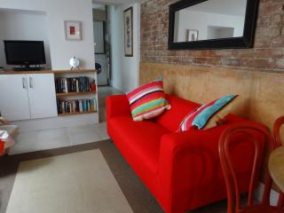 Lower Deck - Ground Floor Apartment in Central St Ives - Sleeps 4