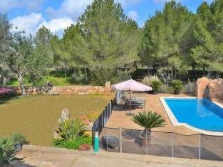 062 Cosy stone finca in Mallorcan style with pool, Llubi