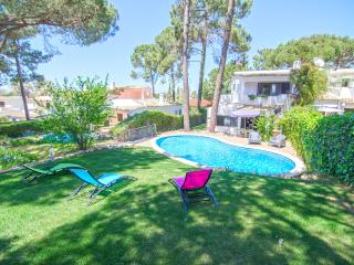 Villa Beira Golfe - Private 3 Bedroom Overbooking the Old Course Golf Couse