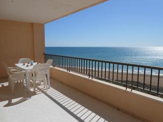 Ref 109.- 1a linea de playa con preciosas vistas al mar. Con pkg y piscina
