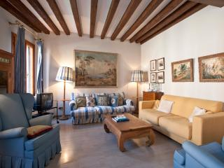 Fondamenta Rio della Tana Two Bedrooms/Bathrooms, Venice