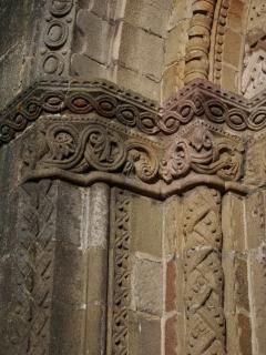 les amoureux de l'art roman sont à deux pas de l'église du Montet