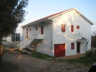 Apartments Zmaj - island Hvar Zavala AP2 (4+1)
