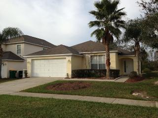 Luxury Villa Near Disney, Private Pool, Lake View, Kissimmee