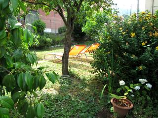 Appartment with garden, private parking ,4 guests, La Spezia