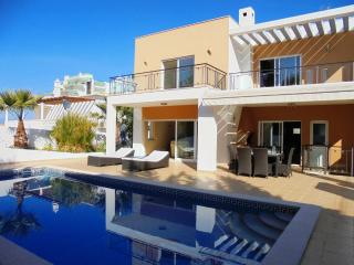 V4 Alvor 21 - 4 Bedrooms Villa in Alvor