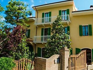 Montepulciano, Ripatransone