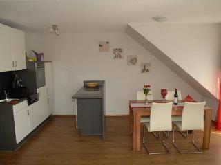 Vacation Apartment in Uhldingen-Mühlhofen - 570 sqft, 1 bedroom, 1 living room / bedroom, max. 4 People…, Unteruhldingen