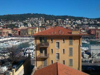 Le Port de Nietzsche, Nice