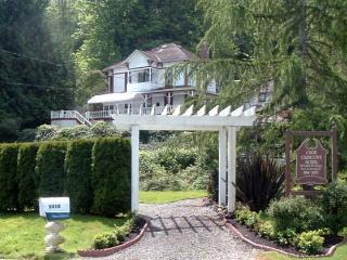 THE OLDE GLENCOVE HOTEL* A VACATION RENTAL PLACE, Gig Harbor