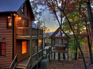 Breathtaking Cabin - Long Range View- Hot Tub- Game Room- 3 bedrooms, Blue Ridge