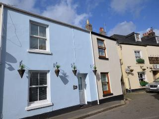 CREWM Cottage situated in Whitsand Bay (1ml NE)
