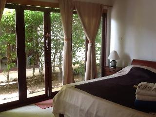 1st king sized bedroom. Ensuite. Foldout glass doors to garden