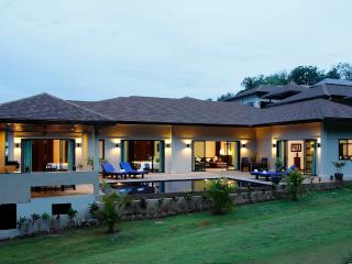 GEMSTONE: 4 Bedroom, Private Pool Villa near Beach, Nai Harn