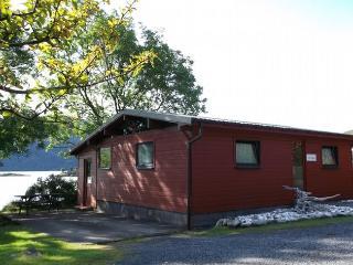 R384A Log Cabin in Kyle, Dornie