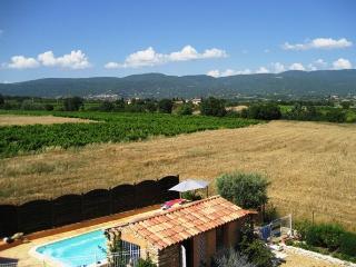 Gite dans bastide provençale avec piscine.1, Apt
