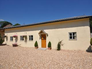 SWCOM Apartment situated in Sidmouth (4mls N)
