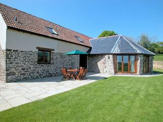 WHIHO Barn situated in Woolacombe (6mls SE)