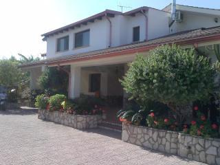 villa con 2 bagni 3 camere letto, Villagrazia di Carini
