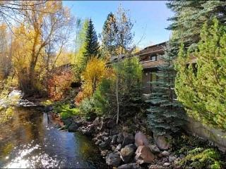 Overlooks Trail Creek - Beautiful Furnishings and Decor (1114), Sun Valley