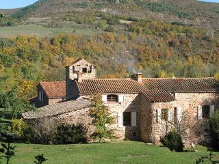Chambres d'hôtes de La Margue -   Le Ruisseau, Saint-Felix-de-Sorgues