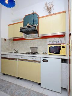 Best location in Supetar, Apartment 2 - Kitchen and dining room